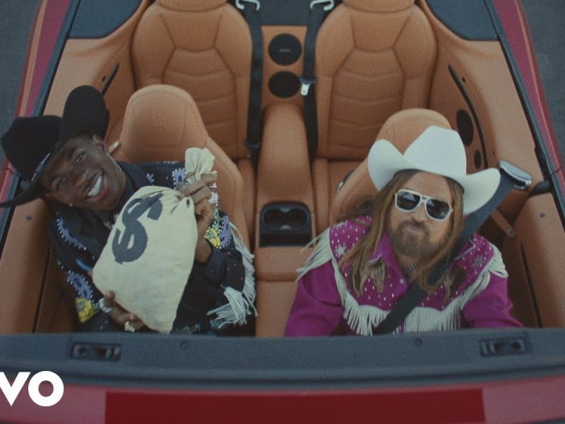 Lil Nas X – Old Town Road ft. Billy Ray Cyrus